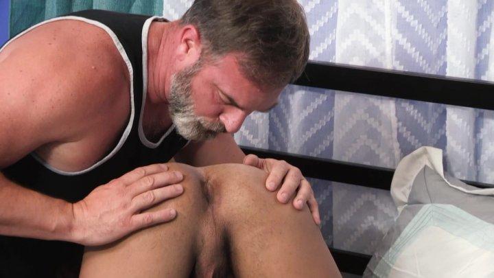 Streaming porn video still #1 from Family Dick 8