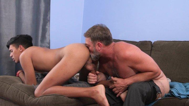 Streaming porn video still #2 from Family Dick 8