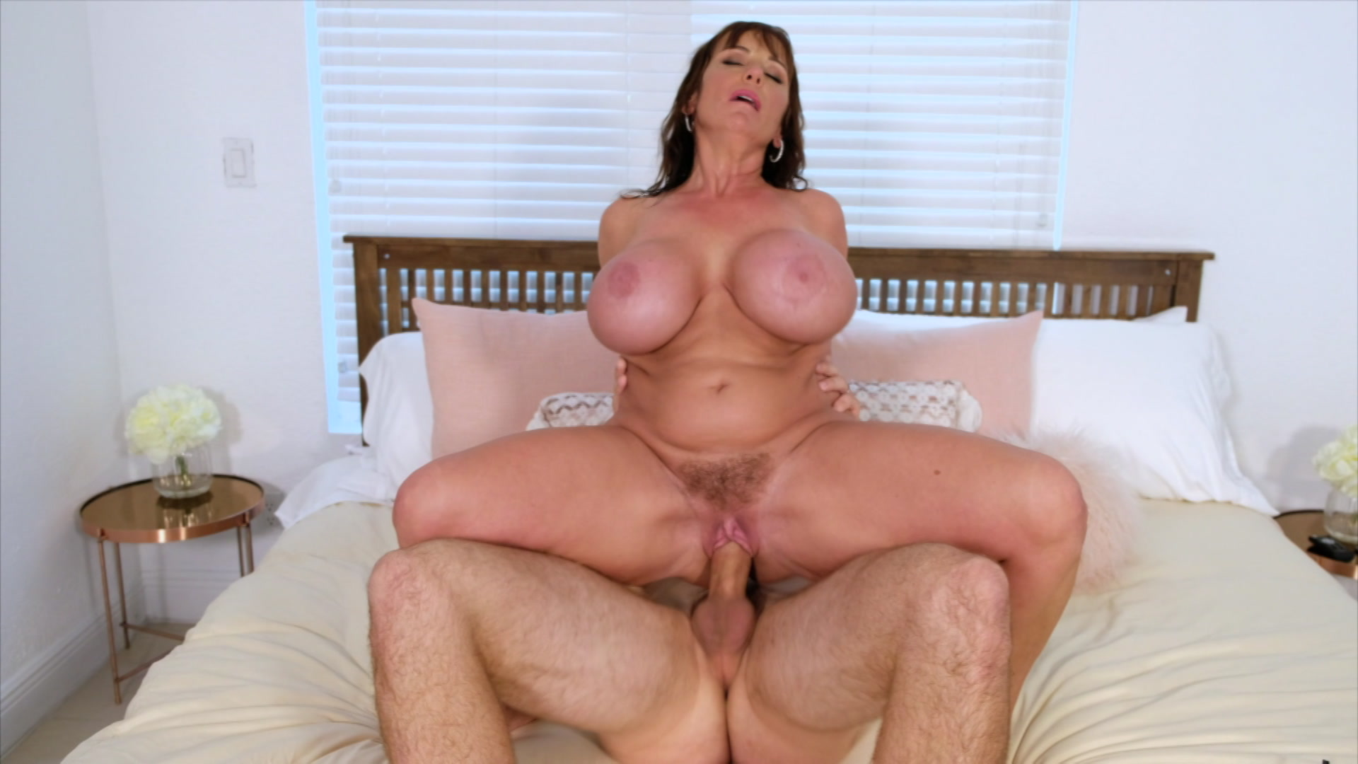 Ava addams round sexy big boobs housewife love tough bang picture